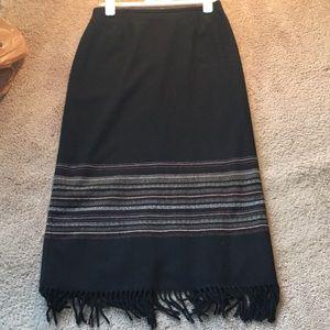 """Classy dress barn 33"""" long slot in back skirt"""